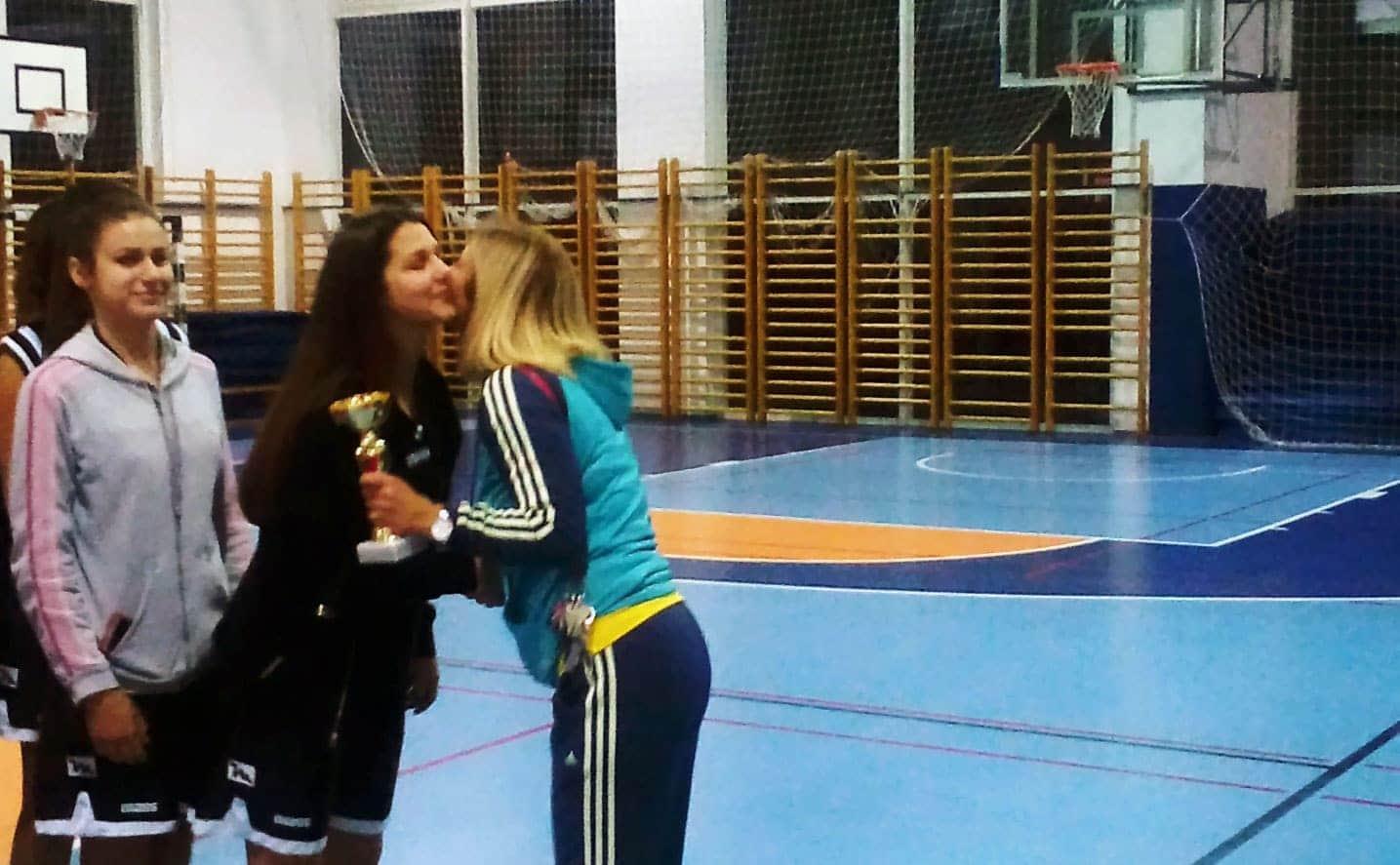 Finale u ženskoj košarci za srednje škole 2016-17-01